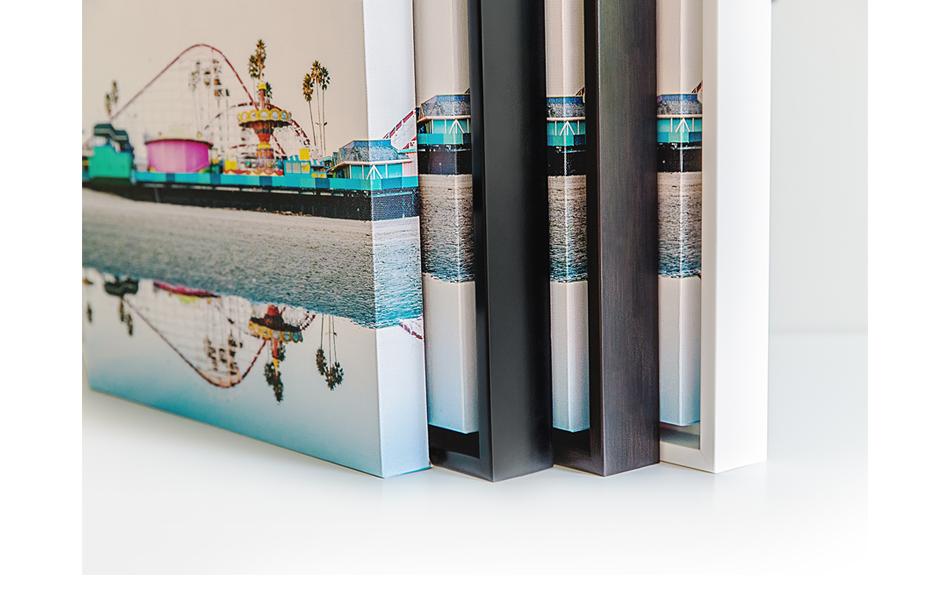 choosing canvas print frames